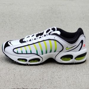 NIKE AIR MAX Tailwind 4 Men's Size 9.5 Shoes NEW!